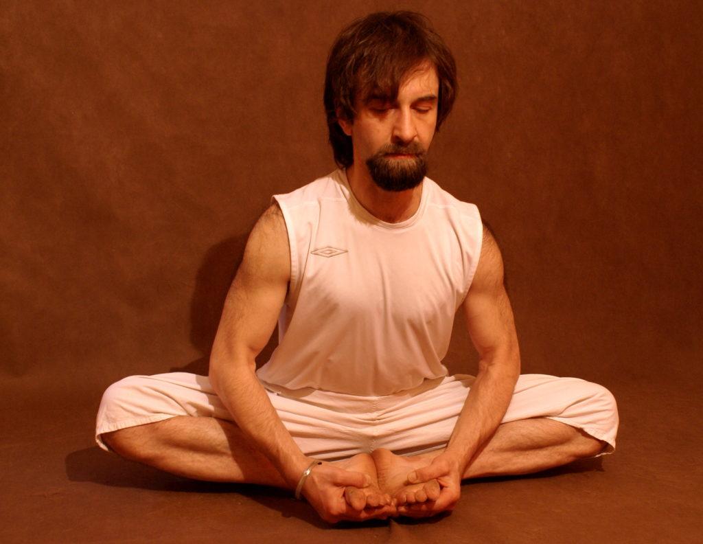 Адырхаев Дмитрий - преподаватель Академии Йоги и Йогатерапии